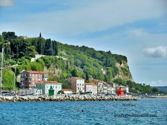 Being a resort city in Slovenia, Piran boasts of homes that are not only luxurious but also scenic.